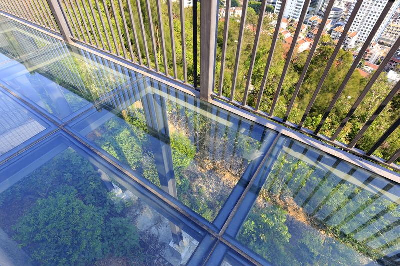Balcony Glass Panels Scratch Removal