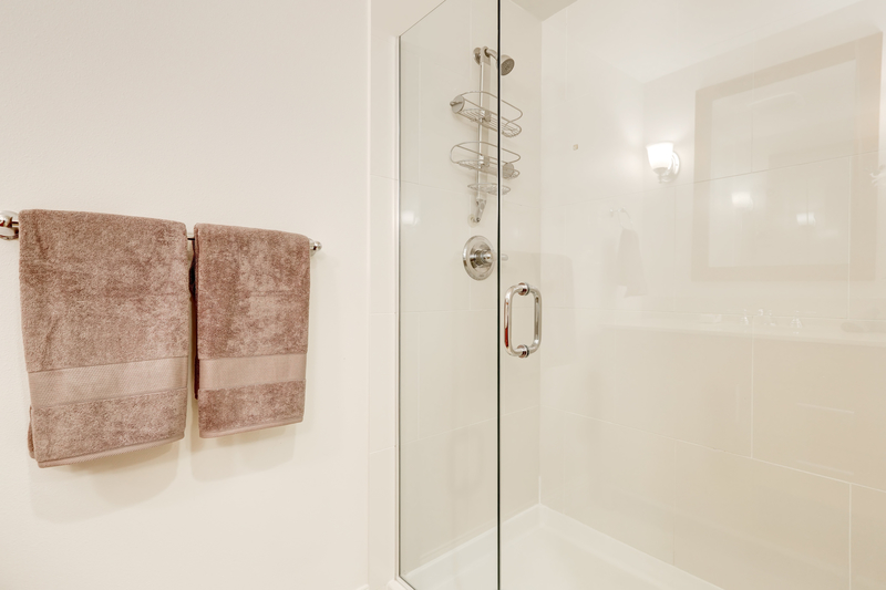 Glass Shower  Enclosure scratch and hard water stain removal