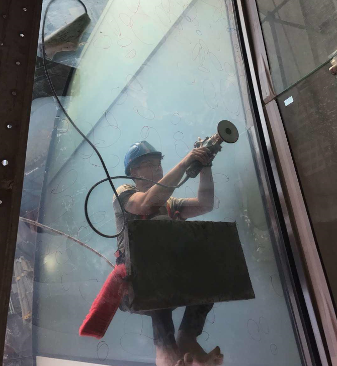 Glass Hazing Removal